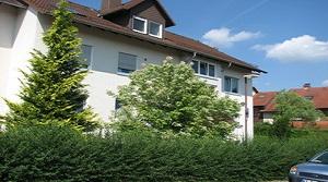 Gut geschnittene 2 ZKB Dachgeschosswohnung mit Loggia in Nordshausen