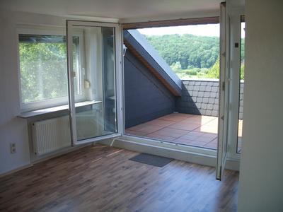 2 zkb attelierwohnung mit loggia in fuldabr ck. Black Bedroom Furniture Sets. Home Design Ideas