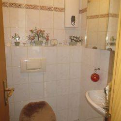 EG links Toilette1