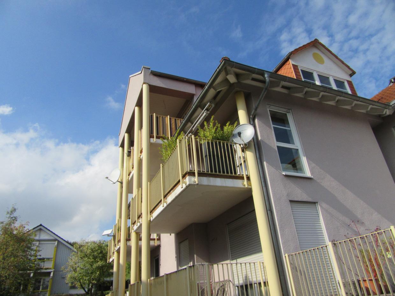 traum in kassel harleshausen 3 zimmer wohnung mit balkon und loggia. Black Bedroom Furniture Sets. Home Design Ideas