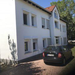 Eigentumswohnung in Kassel-Baunatal - Auffahrt zum Eingang