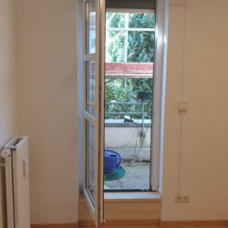 Schalfzimmer Zugang zum Balkon